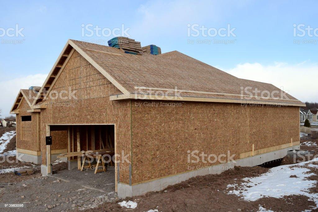 Nueva Casa En Construccin En Invierno Con Estructura De Madera Y