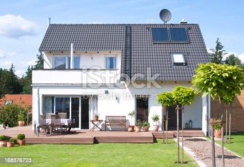 Neues Haus Und Heim Blick Vom Garten Mit Wegedetainee