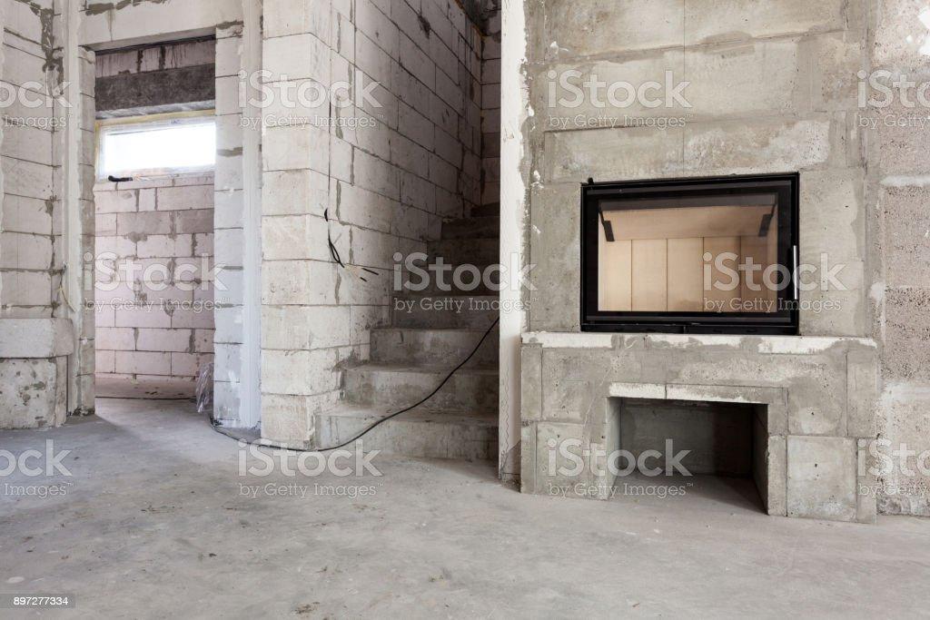 Neues Haus Im Bau Modernen Holzbefeuerten Kamin Bau Belüftete ...