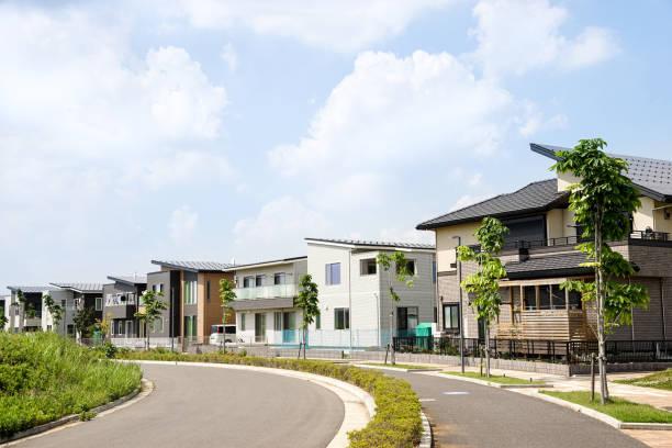 新しい家 - 日本 街並み ストックフォトと画像