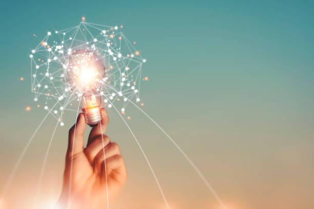 neue ideen und phantasie kreativität und inspiration technologische innovation. - innovation stock-fotos und bilder