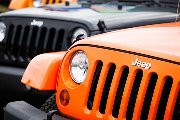 Nouveau Jeeps devant parotideomasseterica - Photo