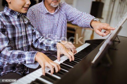 istock New lesson piano 616092596