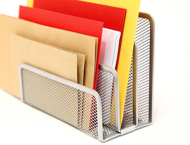 neue briefhalter - briefhalter stock-fotos und bilder