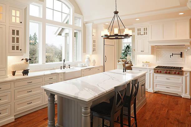 neue luxus-küche - wohnschrank stock-fotos und bilder