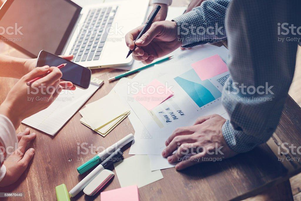 Neue marketing-Strategie zu entwickeln. Inbetriebnahme im Büro – Foto