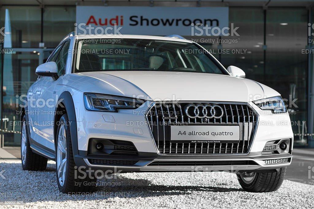 Neue Modell 4wd Crossover Audi A4 Allroad Quattro Auto