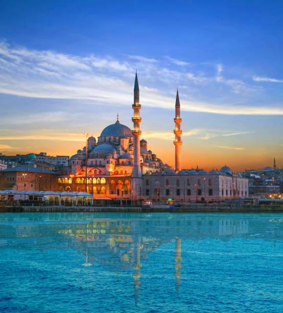new mosque - стамбул стоковые фото и изображения