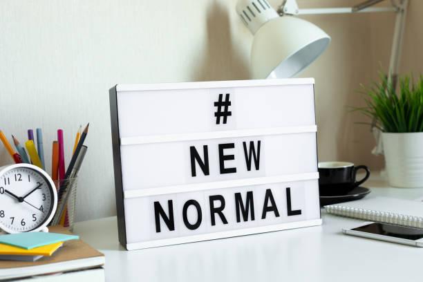 nowy normalny modny, pobyt w domu, praca z domu, społeczne koncepcje dystansowania na covid-19 epidemii situation.safety i opieki zdrowotnej - kultura młodości zdjęcia i obrazy z banku zdjęć