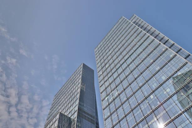 neues büro und gebäude in der kwun tong - kowloon stock-fotos und bilder