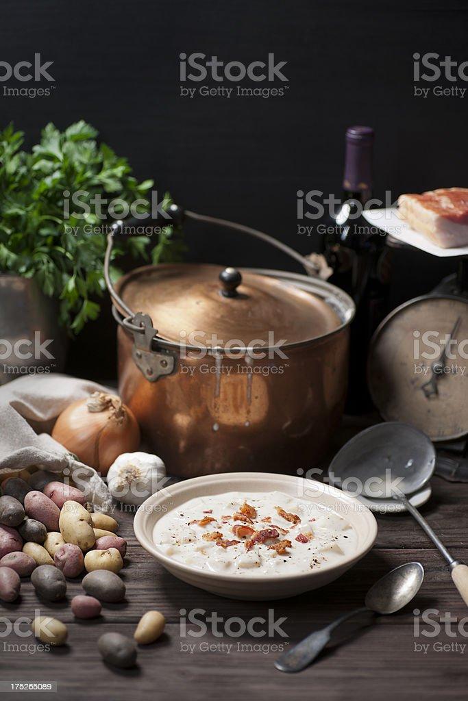 Neue Kartoffel und Speck-Suppe Lizenzfreies stock-foto