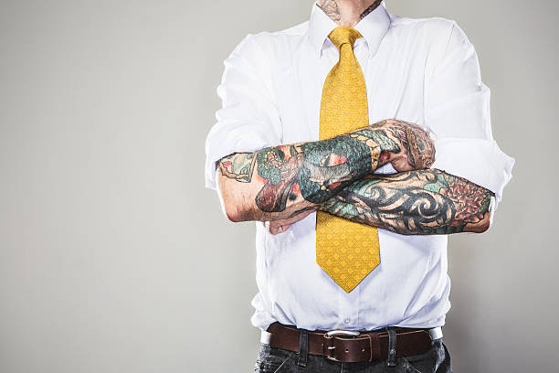 new professional with tattoos - 紋身 人體裝飾 個照片及圖片檔