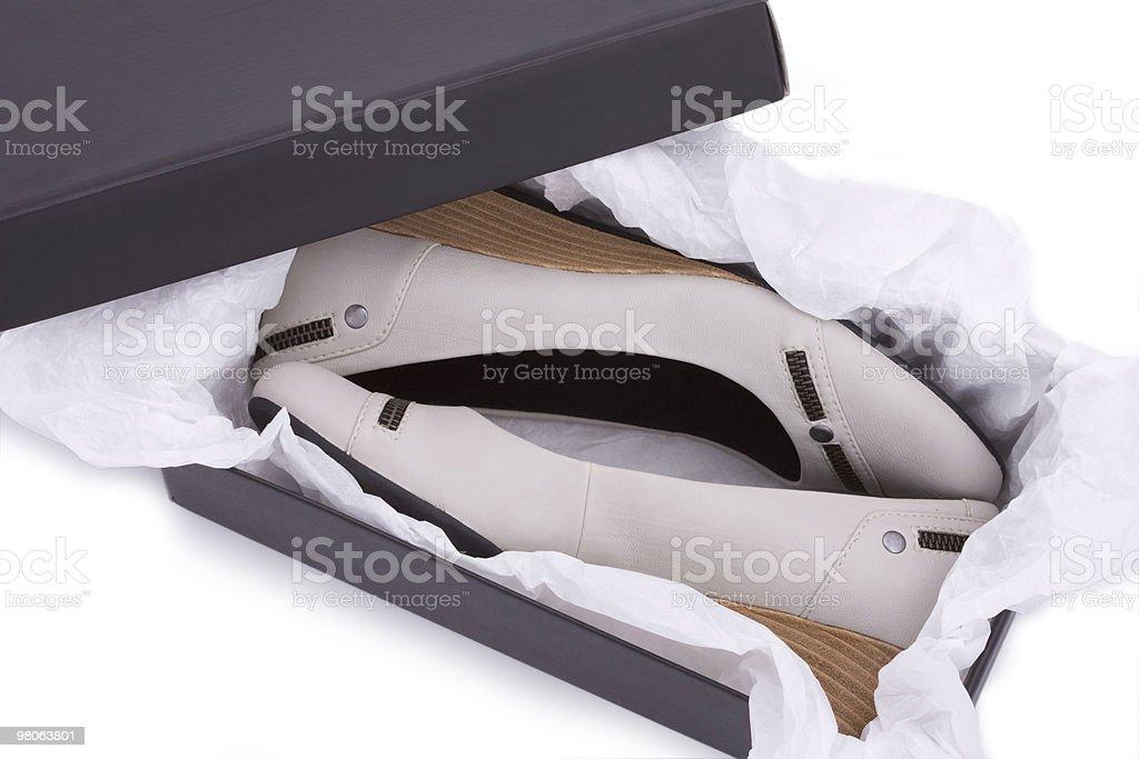 Nuove scarpe nella casella foto stock royalty-free