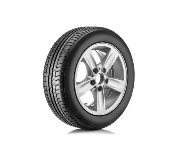 nieuwe band geïsoleerd op witte achtergrond - tyre stockfoto's en -beelden