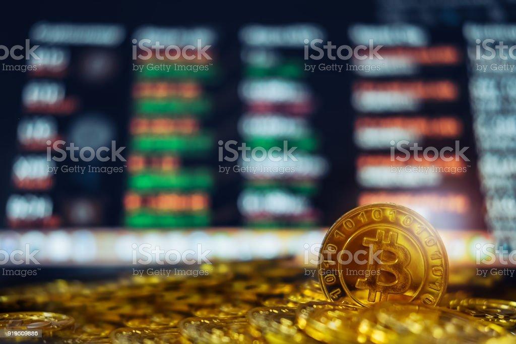 Neues virtuelles Geld Konzept, Gold Bitcoins (Btc) ist Digital Krypto-Währung Verwendung Blockchain Technologie für – Foto