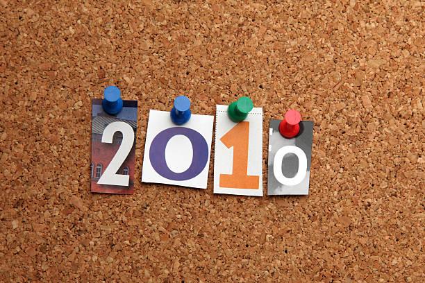 anno nuovo 2010 appuntato su noticeboard - 2010 foto e immagini stock