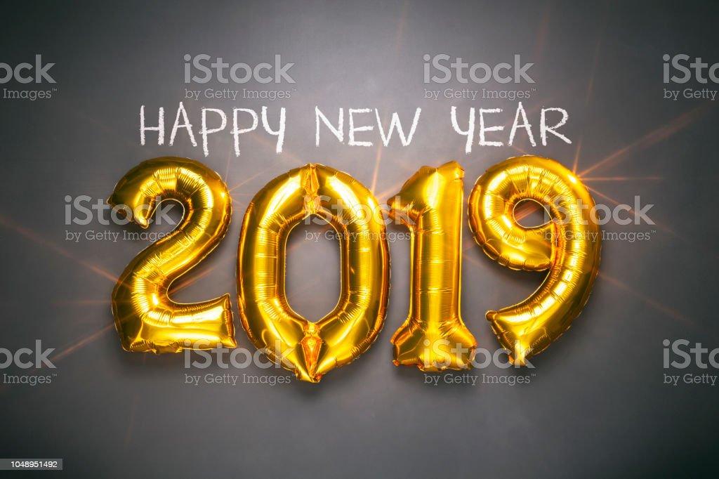 Nouvel an 2019 - Golden ballons sur tableau noir - Noël décoration or vacances - Photo