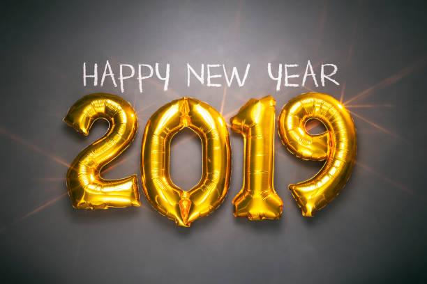 Neue Jahr 2019 - goldene Ballons auf Tafel - Dekoration Gold Weihnachten – Foto