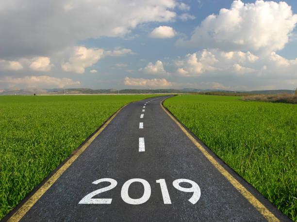 new year 2019 road start - 2019 foto e immagini stock