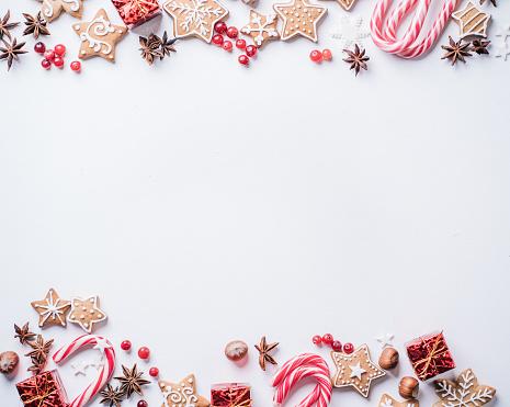 Año Nuevo Y Navidad Tarjeta Postal Foto de stock y más banco de imágenes de 2020