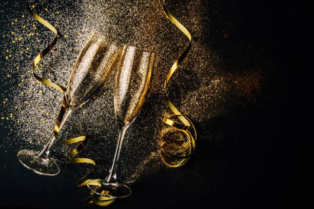 silvester-feier-party-konzept - sektglas stock-fotos und bilder