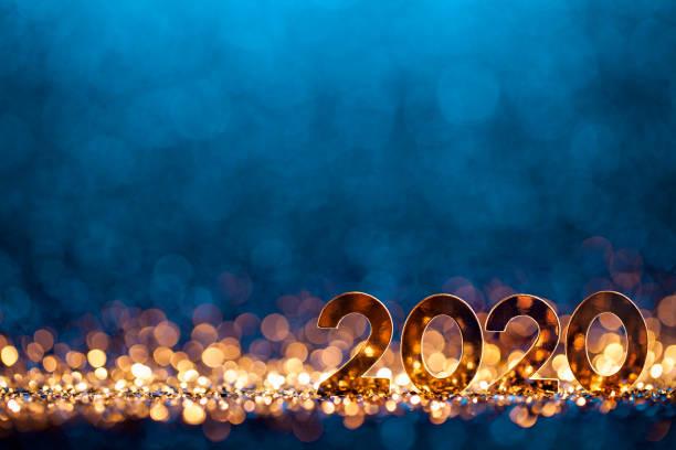 año nuevo decoración navidad 2020 - celebración de la fiesta azul de oro - año nuevo fotografías e imágenes de stock