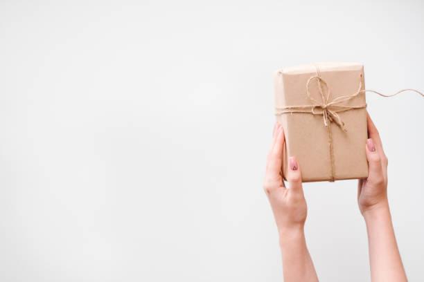 neues jahr weihnachten geschenk - besondere geschenke stock-fotos und bilder