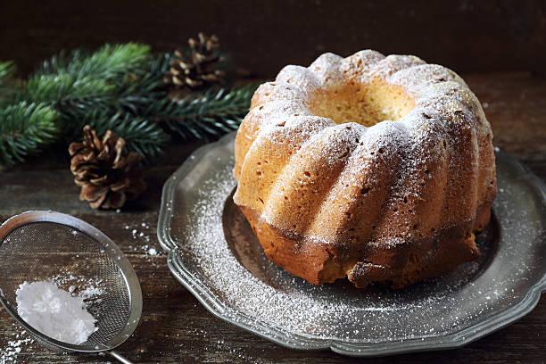 new year dessert: homemad kouglof - sugar cane foto e immagini stock