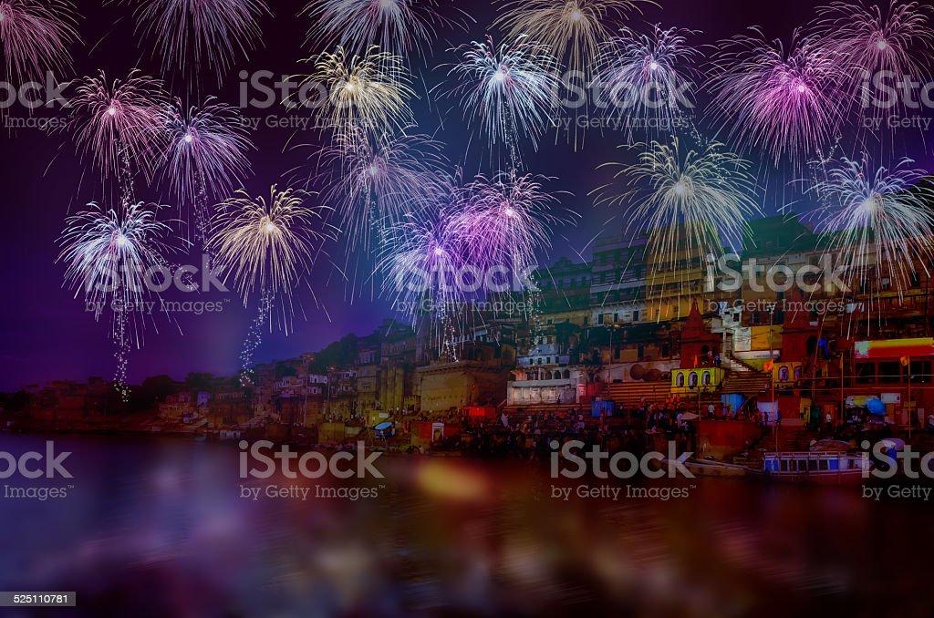 Comemoração de Ano Novo, fogos de artifício biscoitos - foto de acervo