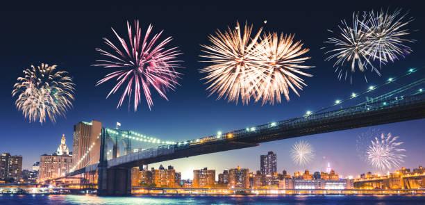 silvester-feuerwerk in new york - new york new year stock-fotos und bilder