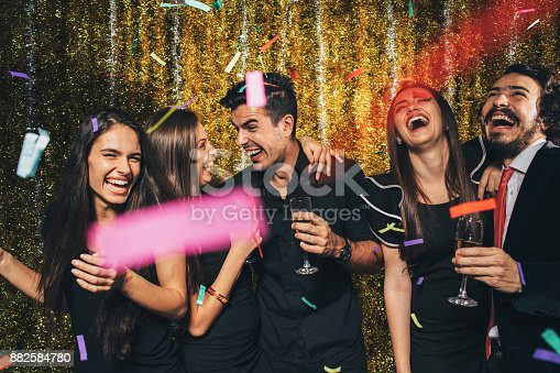 497317250 istock photo New year party 882584780