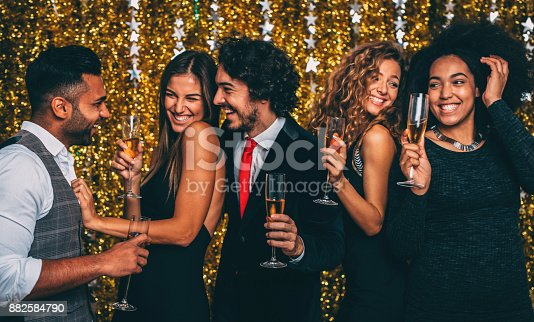 497317250 istock photo New year party 882584790