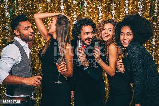 497317250 istock photo New year party 887654738