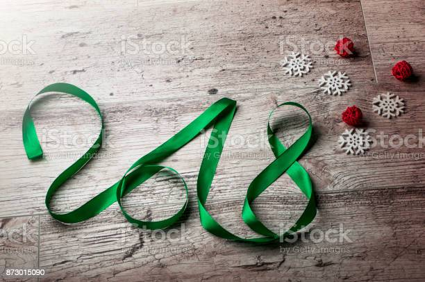 New year word with snow flakes picture id873015090?b=1&k=6&m=873015090&s=612x612&h=ns 9e8ehkmreqxhoiv95cjhoju ln4umiyn6fx4uga0=