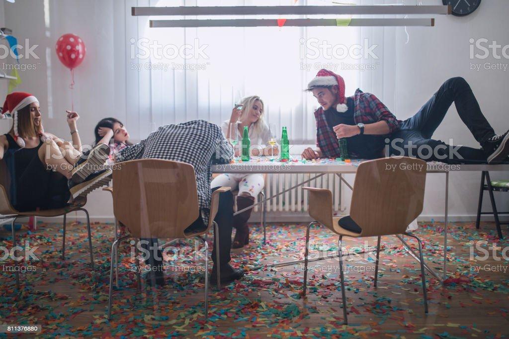 After-party du nouvel an au bureau - Photo