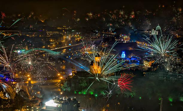 Silvester 2015 mit Feuerwerk über Tiflis – Foto