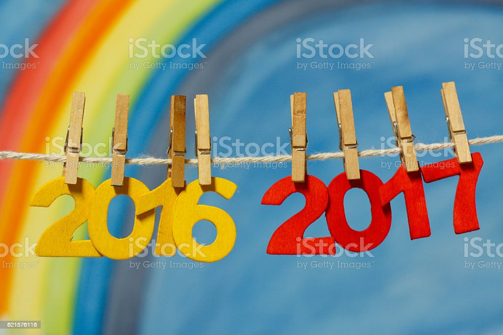 New Years Eve 2017 numbers with rainbow and sky. photo libre de droits