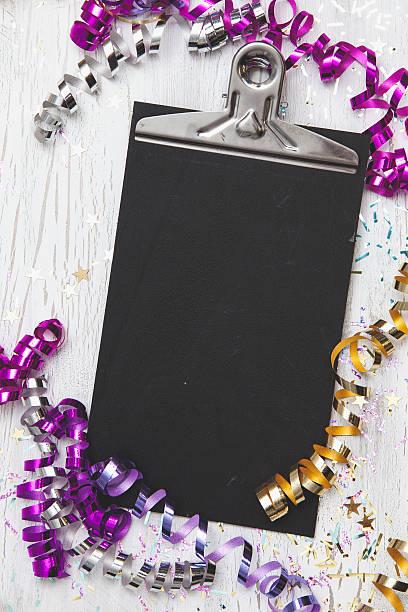 new years eve background with white card - frohes neues jahr stock-fotos und bilder