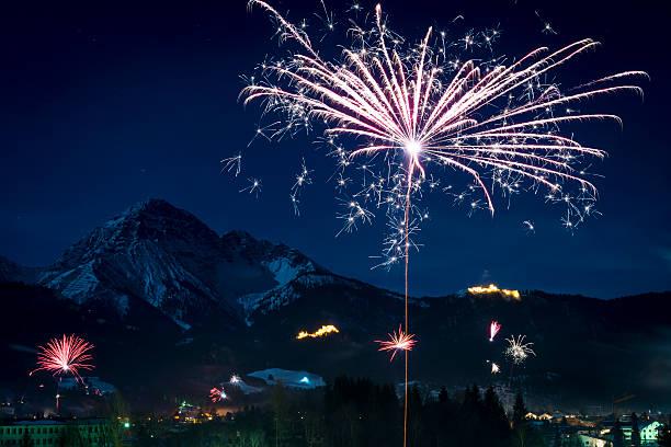 Silvester Feuerwerk-Rakete Fliegen – Foto