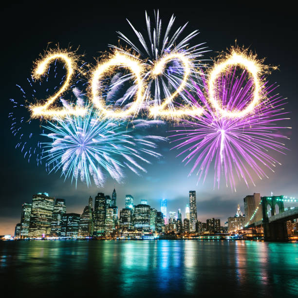 silvester in manhattan mit dem feuerwerk - new york new year stock-fotos und bilder