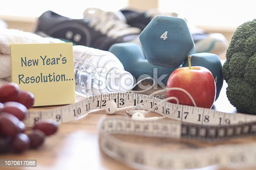 1070617536 istock photo New Year's Resolution to Get Healthy! 1070617088