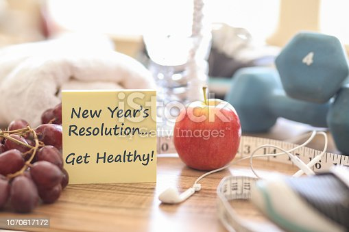 1070617536 istock photo New Year's Resolution to Get Healthy! 1070617172