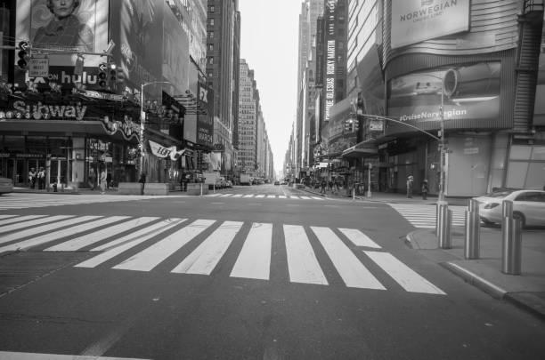 ニューヨークとコロナのシャットダウン - corona newyork ストックフォトと画像