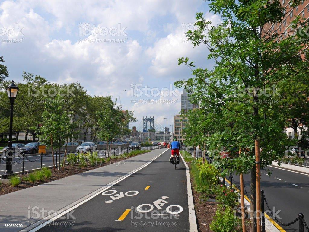New York bike lane leading to Brooklyn Bridge stock photo