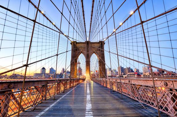 new york, brooklyn bridge à nigth, é.-u. - new york photos et images de collection