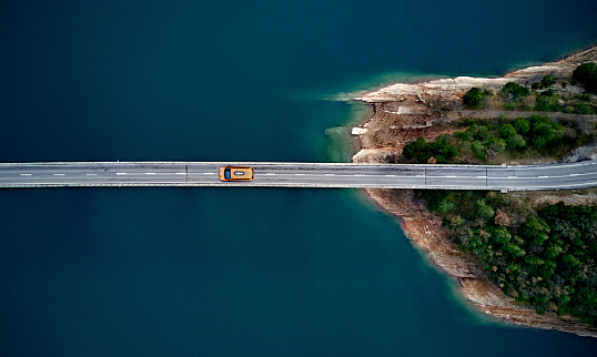 istock New york cab on a bridge 959149062