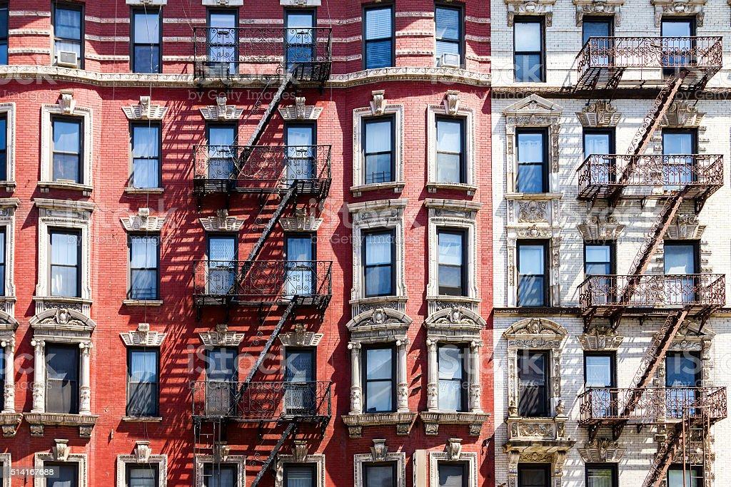 Edificio de apartamentos de la ciudad de Nueva York - foto de stock