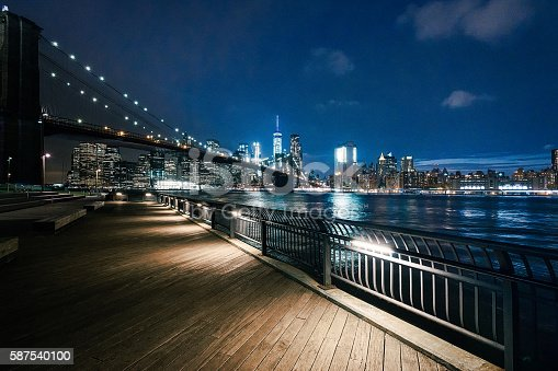 istock New York City - Brooklyn Bridge Park 587540100