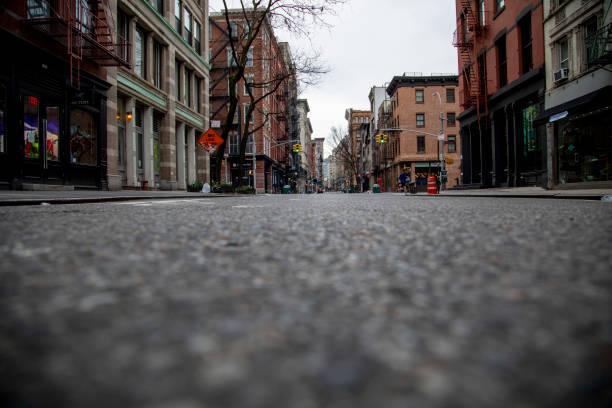 ニューヨーク市covid19ロックダウン - corona newyork ストックフォトと画像