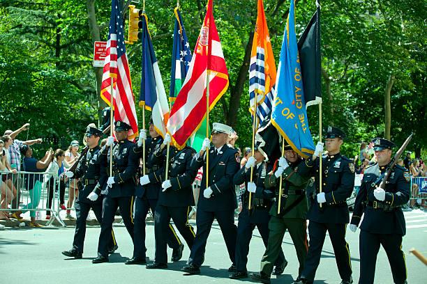 guardia de honor de la ciudad de nueva york - feliz dia del policia fotografías e imágenes de stock